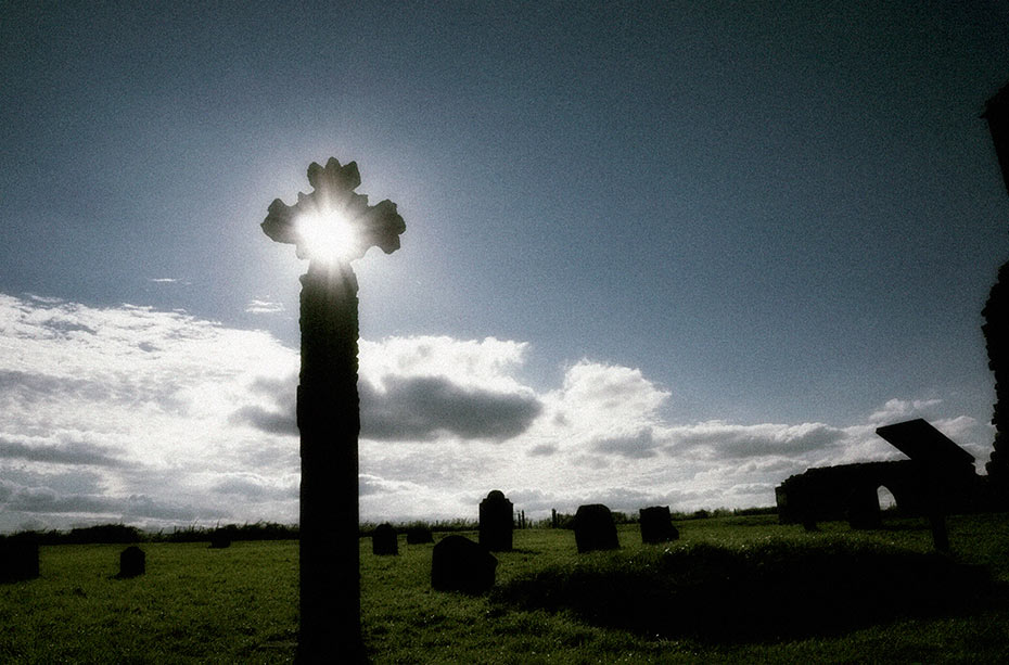 devenish-cross-1