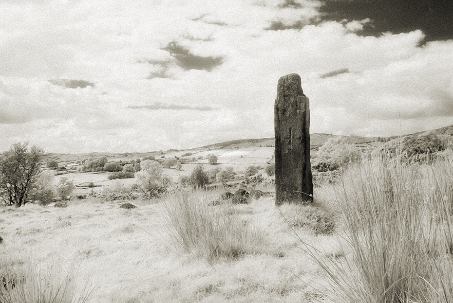legananny-standing-stone-2