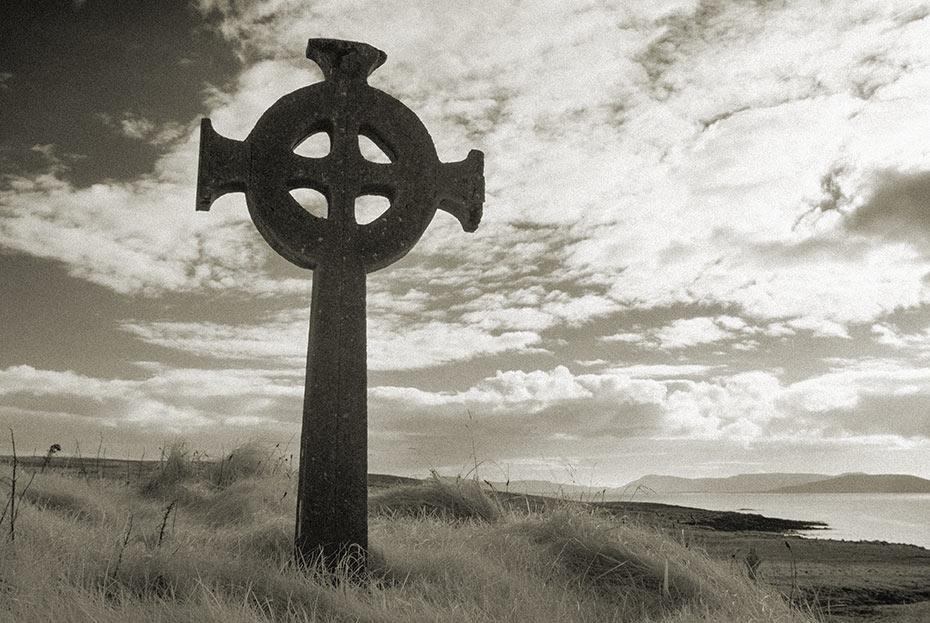 Cross St Deirbhile's Graveyard