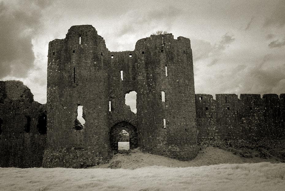 Roche Castle)