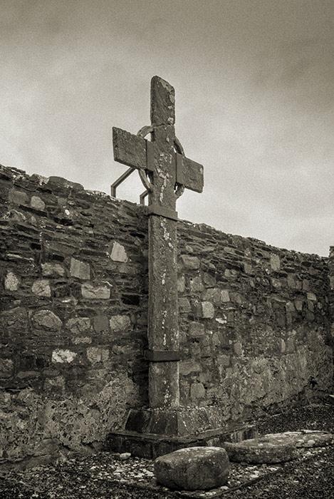 Ray High Cross