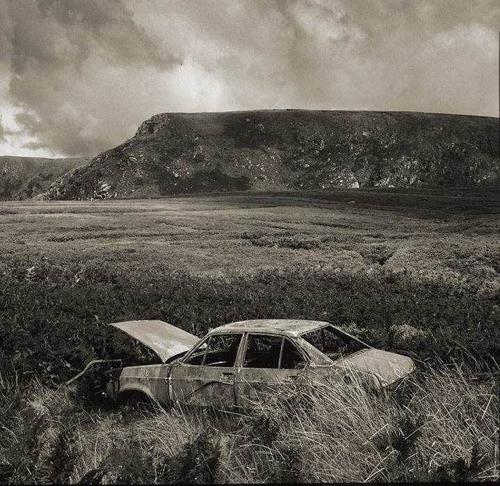 Rusting Hillman Avenger Car