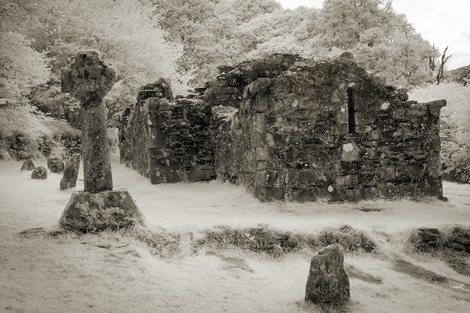 Glendalough Reefert Church and cross