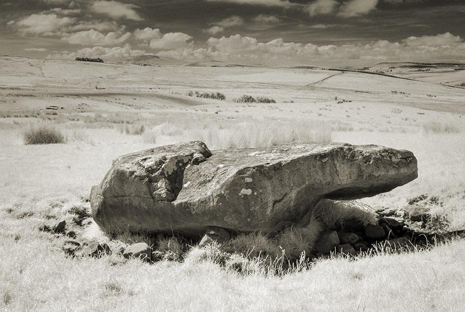 Dunteige Boulder Burial