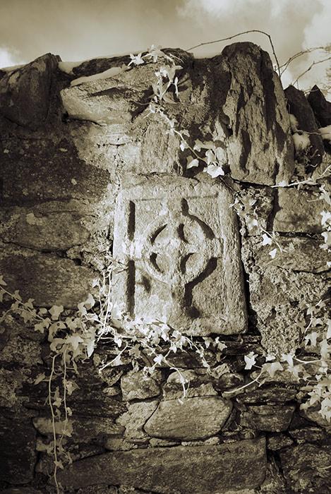 Small Fahan Cross