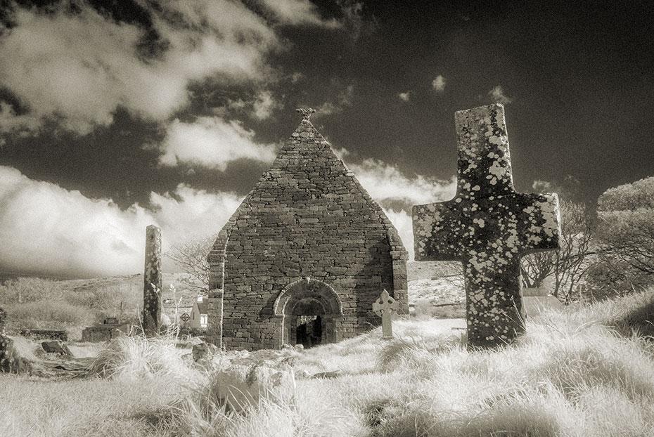 Kilmalkedar Romanesque Church, Ogham Stone and Cross